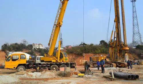 东方旋挖钻机培训机构课程优势